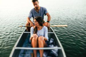 Должна ли женщина быть слабой в отношениях?