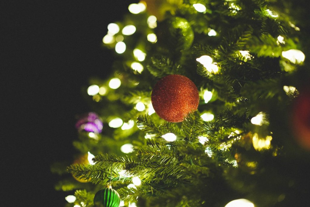 Чем пахнет Новый год в разных странах: хвоя, креветки, перец