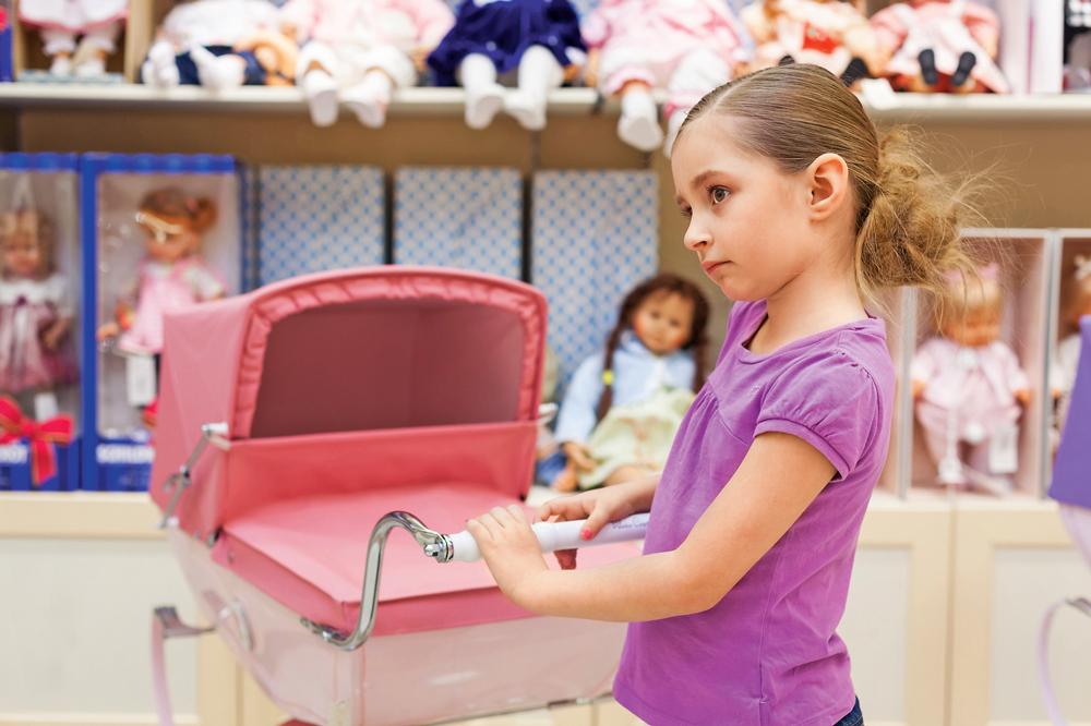 Если ребенок истерит в магазине? Инструкция для мамы