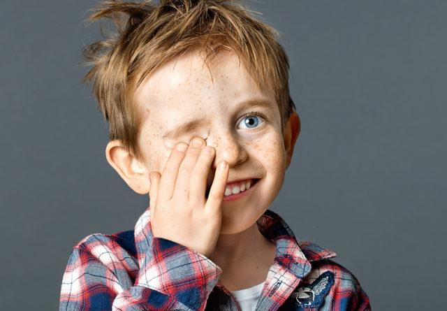 Родинка на глазном яблоке: когда это опасно?