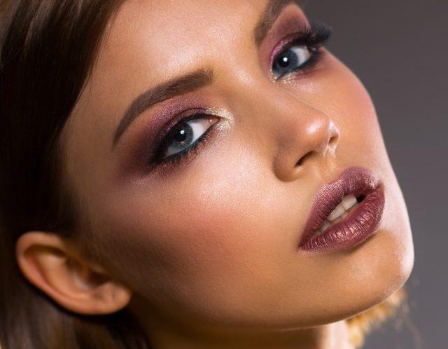 6 ошибок в макияже, которые тебя старят