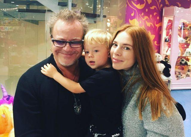 Двухлетнего сына Владимира Преснякова ждет карьера певца