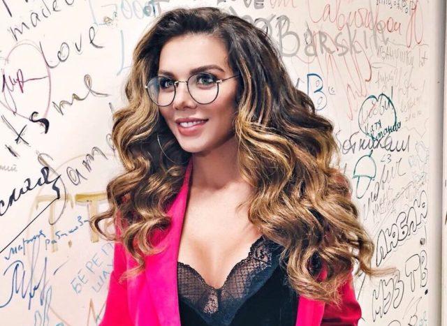 Анна Седокова рассказала, как правильно ухаживать за волосами в домашних условиях