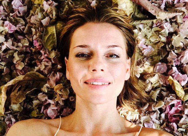 «Неужели анорексия?»: в сети обсуждают резко похудевшую дочь Любови Толкалиной