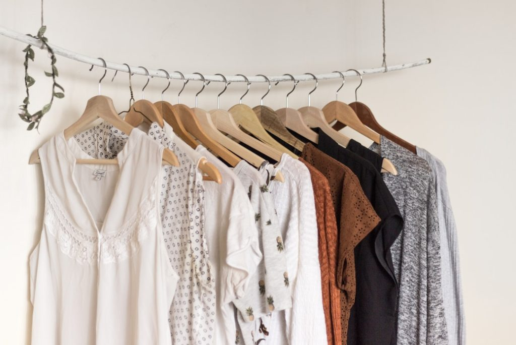 Как навести порядок в шкафу? 5 секретов от блогера