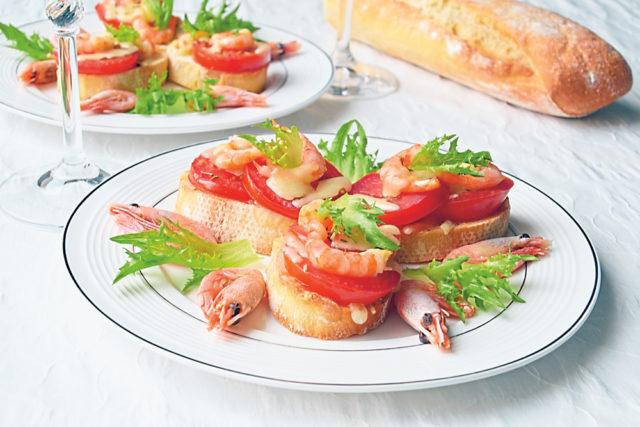 Горячие бутерброды с сыром и креветками