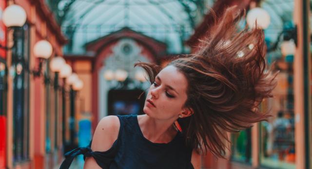 6 главных причин выпадения волос после родов: как их побороть