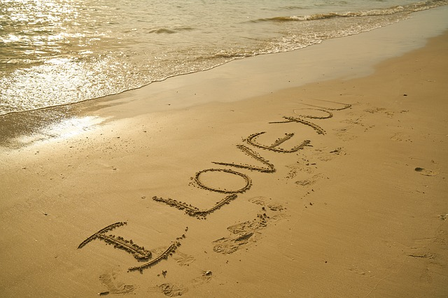 Медовый месяц по знаку Зодиака: как провести романтический отпуск