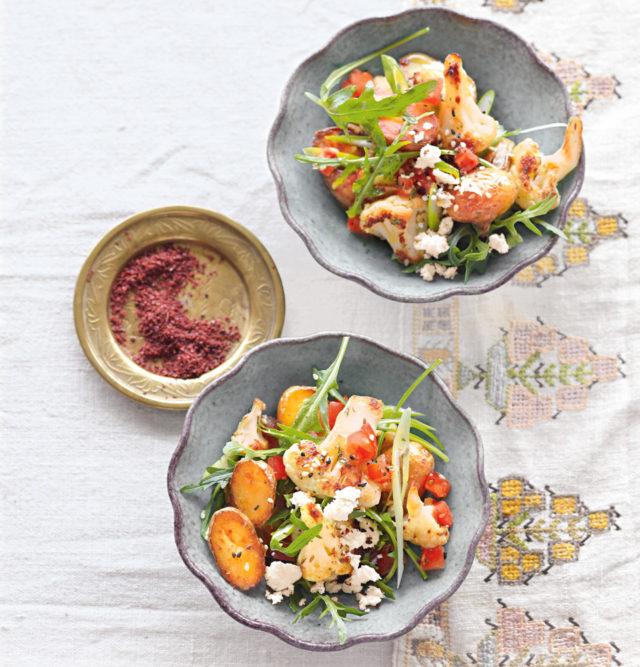 Теплый салат с картофелем и цветной капустой, постный рецепт