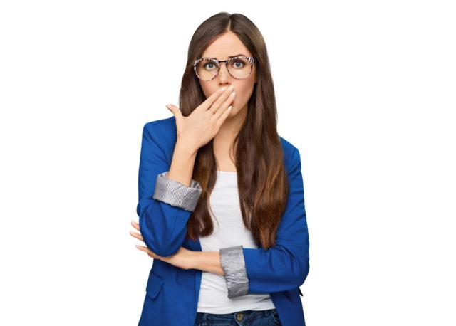 5 самых опасных неприятных запахов изо рта
