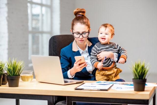 Семья или карьера? Советы астрологов, как найти баланс