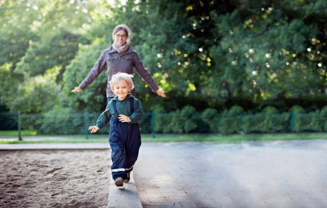 Во что играть с детьми на улице?