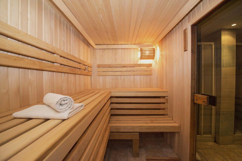 10-veshei-kotorye-nelzya-delat-beremennym-na-rannih-srokah-hodit-v-saunu