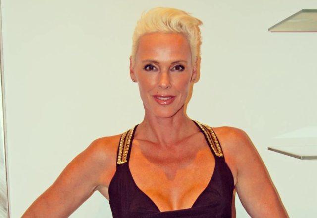 54-летняя экс-супруга Сильвестра Сталлоне ждет пятого ребенка