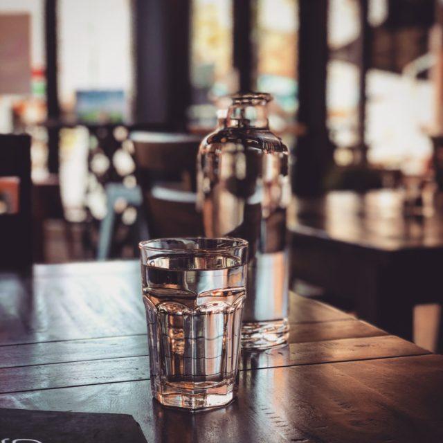 Как правильно пить воду? 4 правила