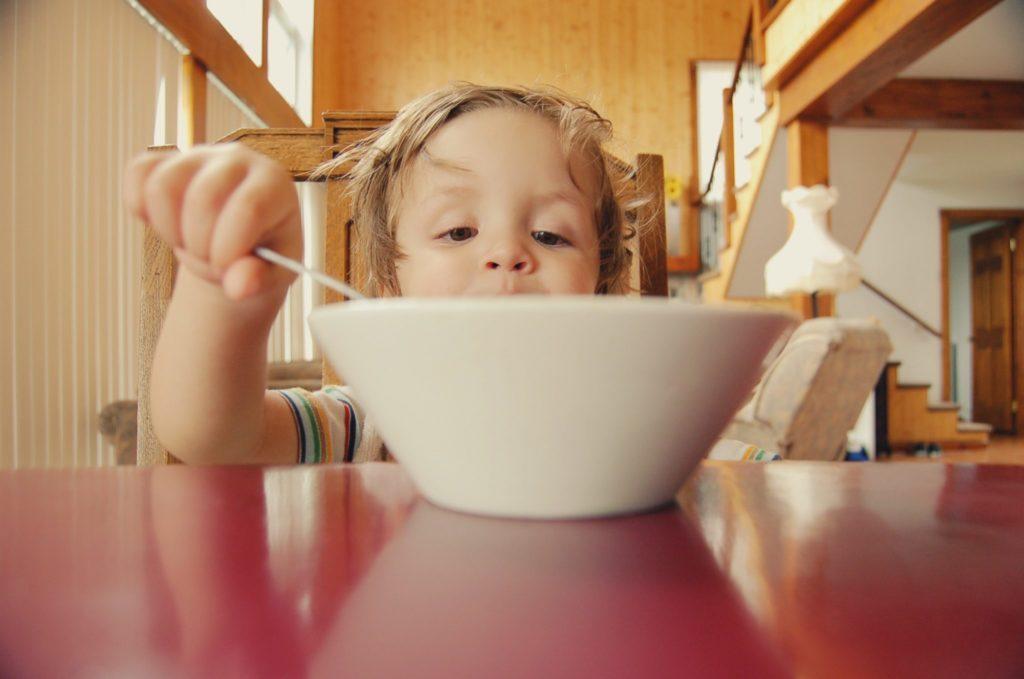 Какие продукты нужно навсегда исключить из детского меню?