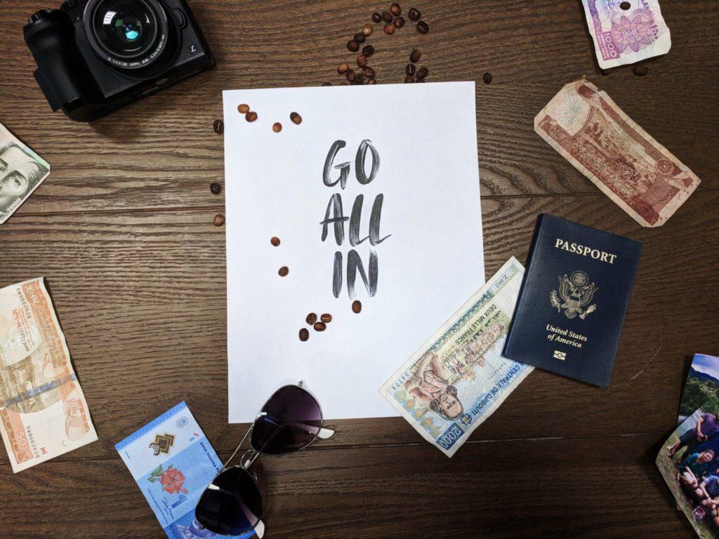 6 неочевидных способов защитить свои деньги в отпуске