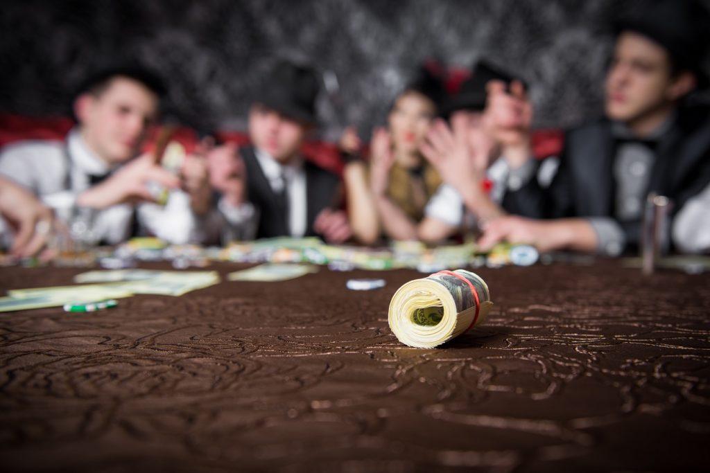 kak-otmetit-den-rozdenia-neobychno-i-nedorogo-mafia-game
