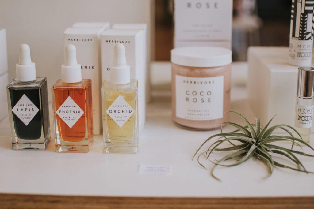 Какой парфюм подходит тебе познаку Зодиака?
