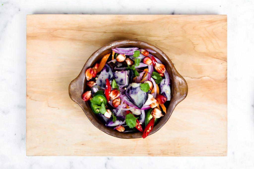 Живая еда: как она влияет нанаш организм?