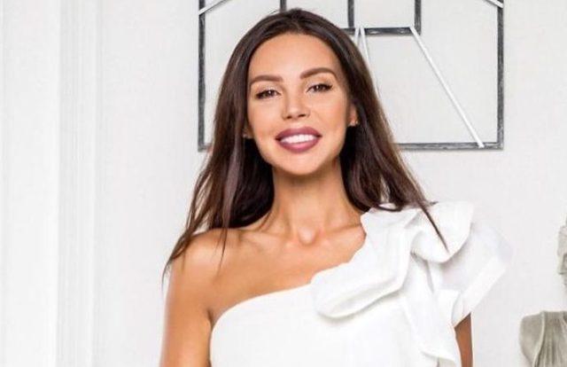 Поклонницы обвинили Оксану Самойлову в мошенничестве