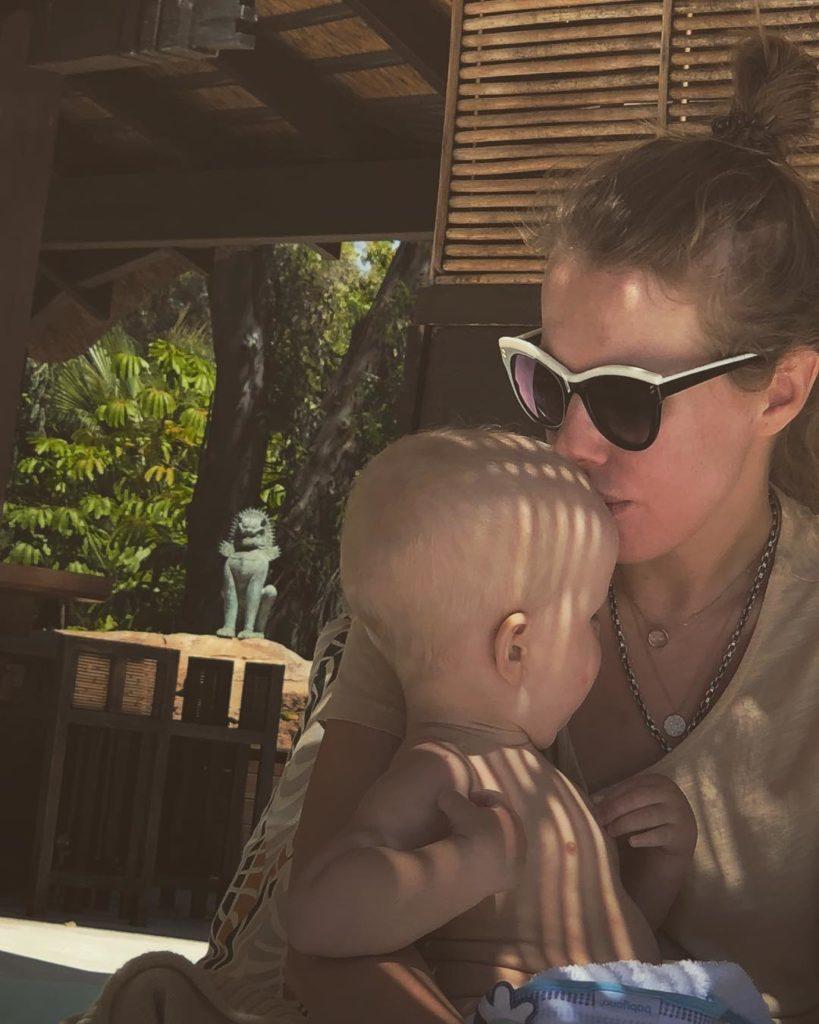 Наперекор традициям: Ксения Собчак объяснила отказ крестить сына