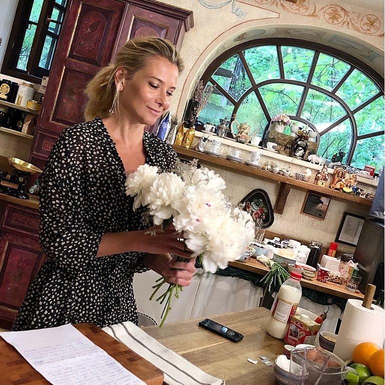 Юлия Высоцкая научит, как похудеть легко и без ограничений в еде