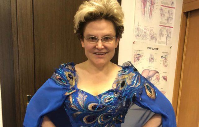 Похудевшая Елена Малышева пожаловалась, что стремительно набирает вес
