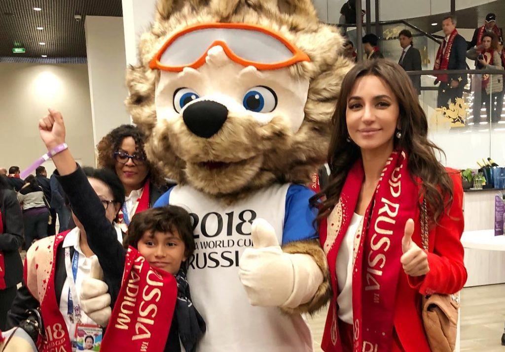 Страна ликует: как звезды отметили разгромную победу сборной России
