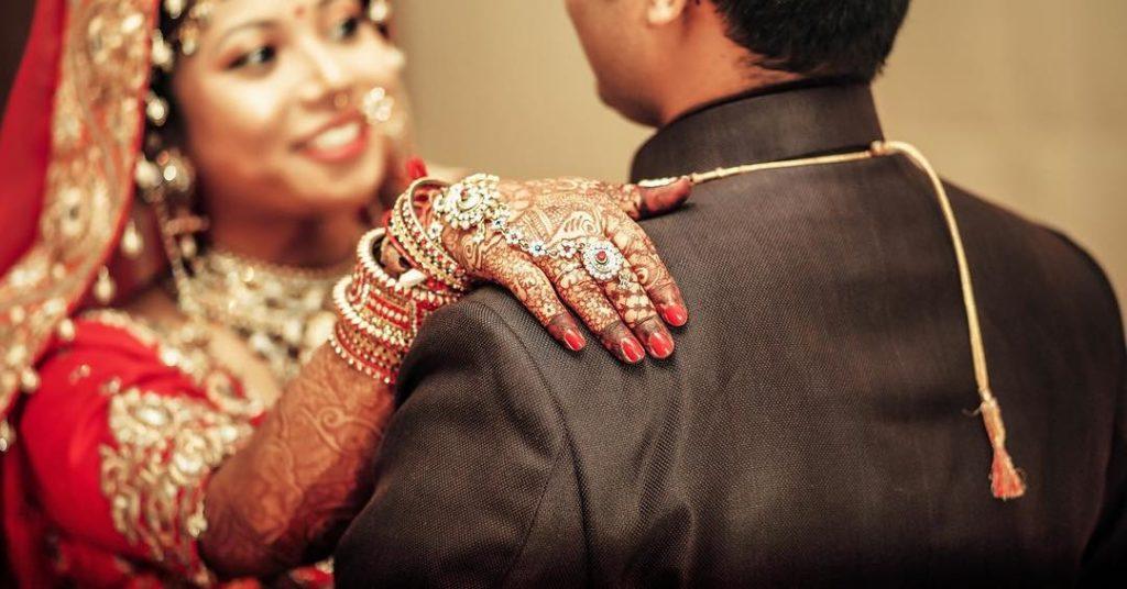 Молодой индиец ужаснулся и подал на развод, увидев жену после свадьбы
