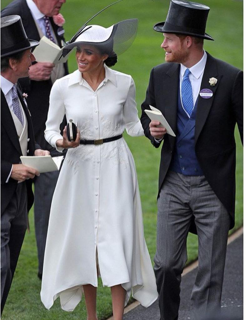«Модный провал»: в сети обсуждают скучное платье Меган Маркл на скачках