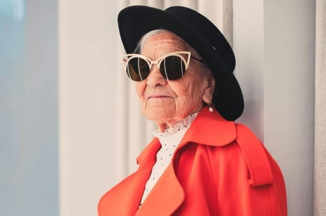 91-летняя путешественница из России снялась для глянцевого журнала