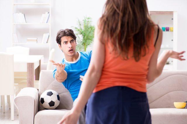 8 способов смотреть футбол вместе с мужем