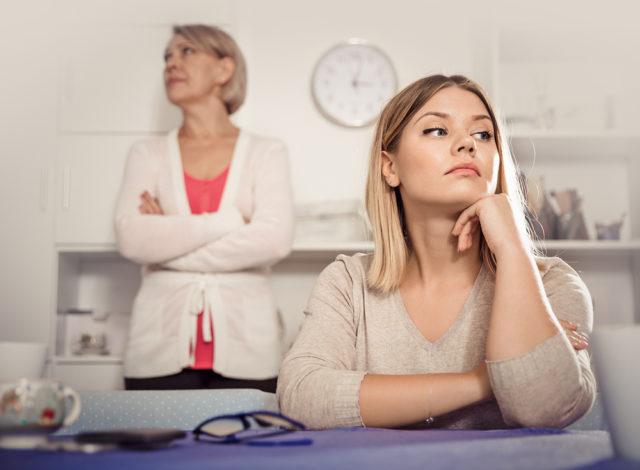 Как не повторять судьбу матери: 4 совета, как избегать ее влияния