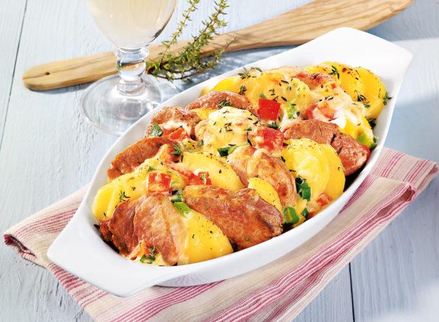 Запеканка со свиной вырезкой и картофелем