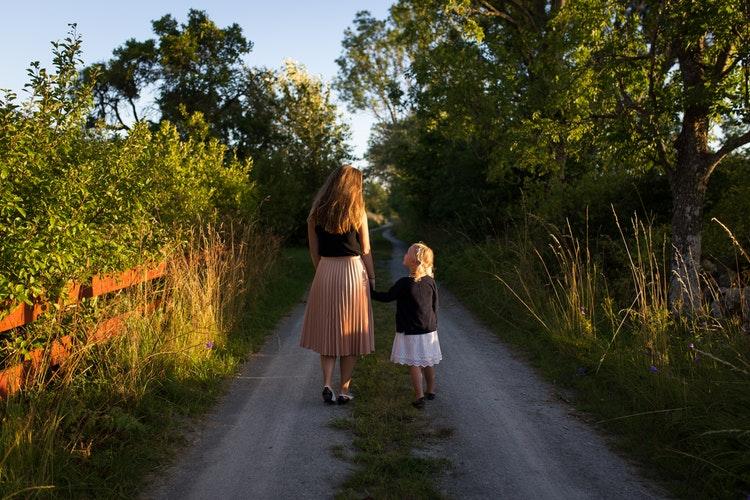Как неповторять судьбу матери: 4 совета, как избегать ее влияния