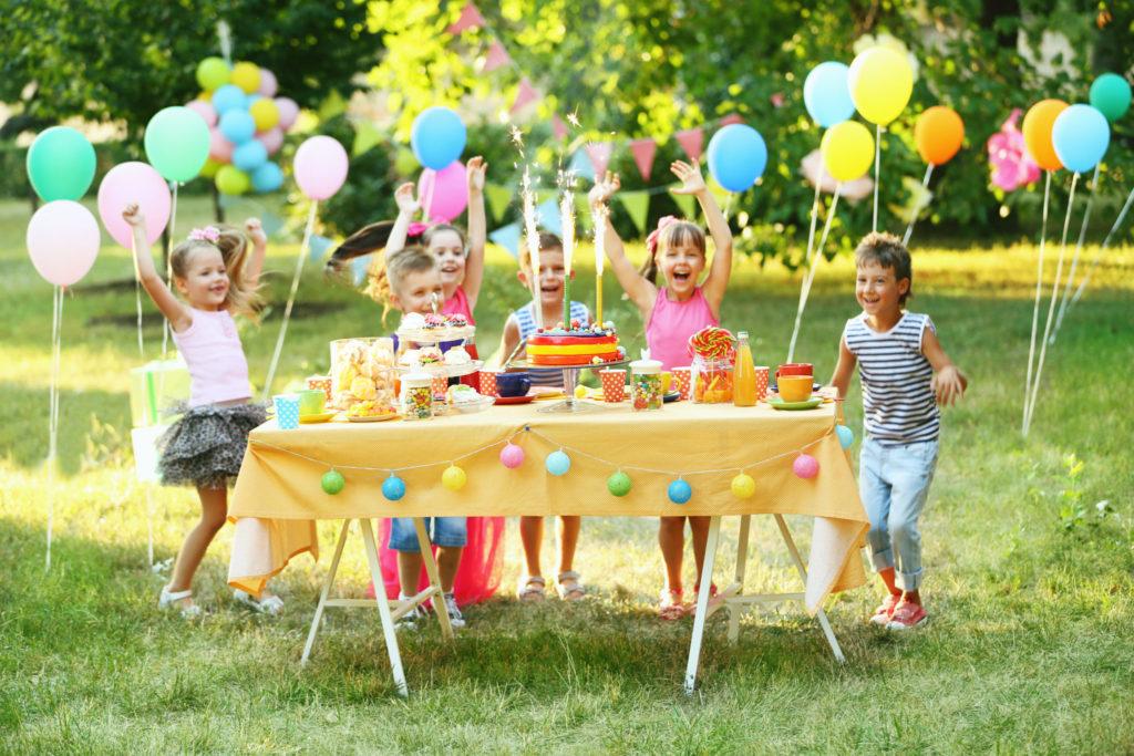 Как отметить день рождения наприроде: 10 правил