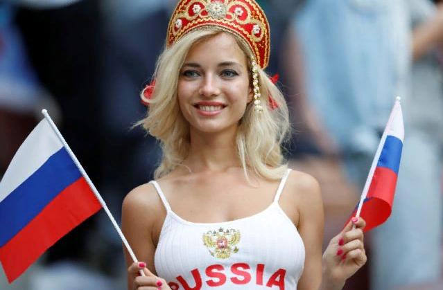 Самая красивая болельщица ЧМ-2018 пообещала раздеться, если сборная России выиграет