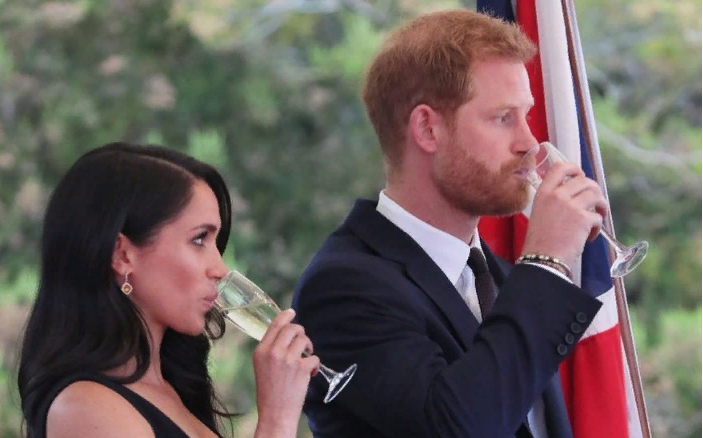 Принц Гарри отшутился навопрос одетях сМеган Маркл