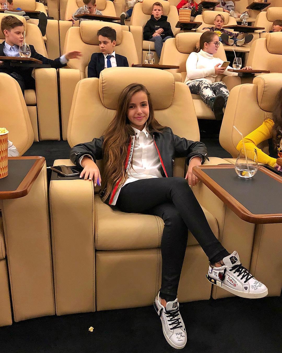 Золотой ребенок: Тоня Худякова - роскошная жизнь 11-летней школьницы в Instagram