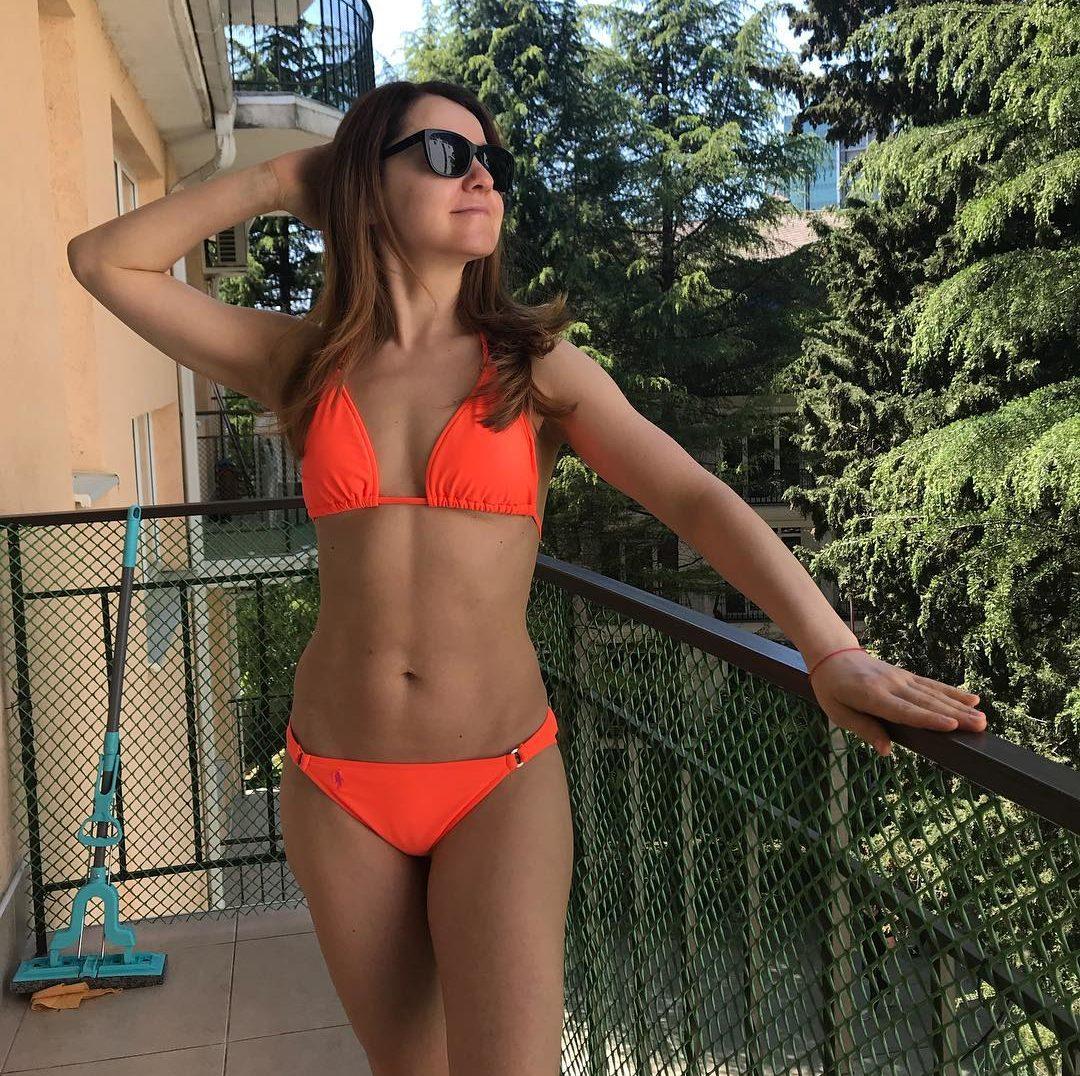 Минус 20 кг после родов: звезда сериала «Универ» рассекретила свою диету