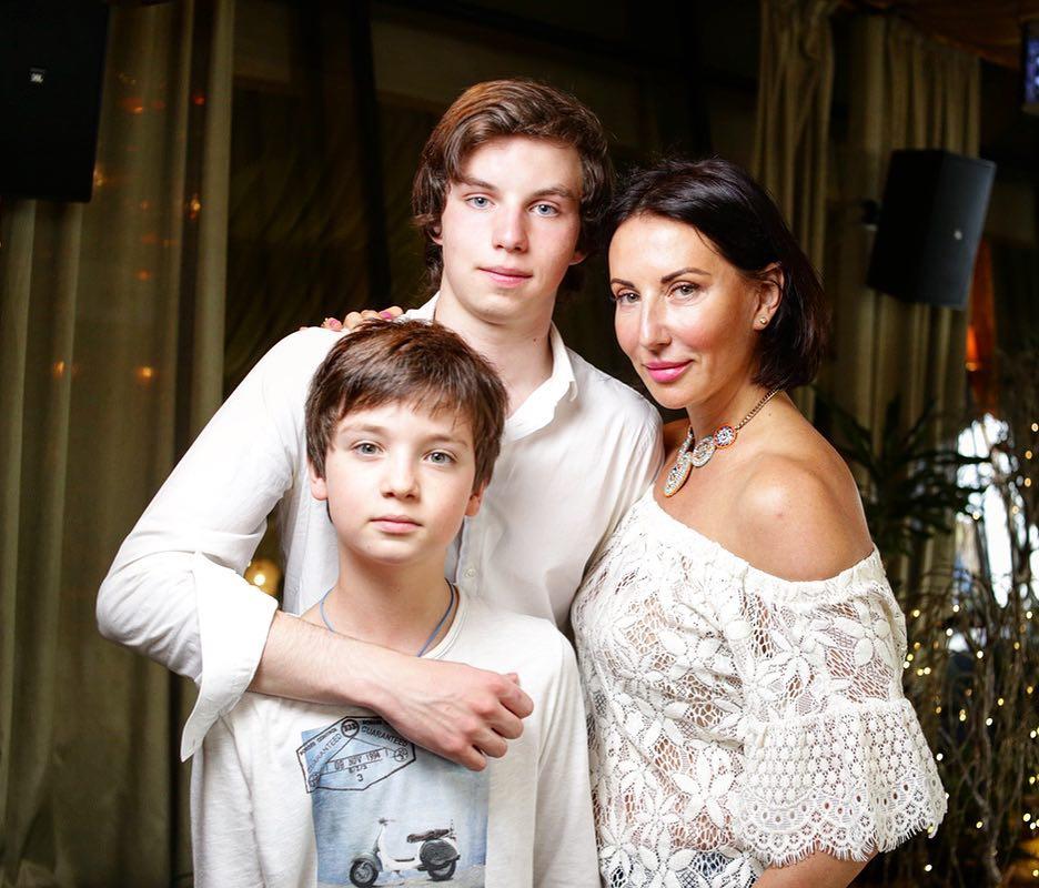 Алика Смехова неожиданно заговорила обизменах мужа ипотере ребенка