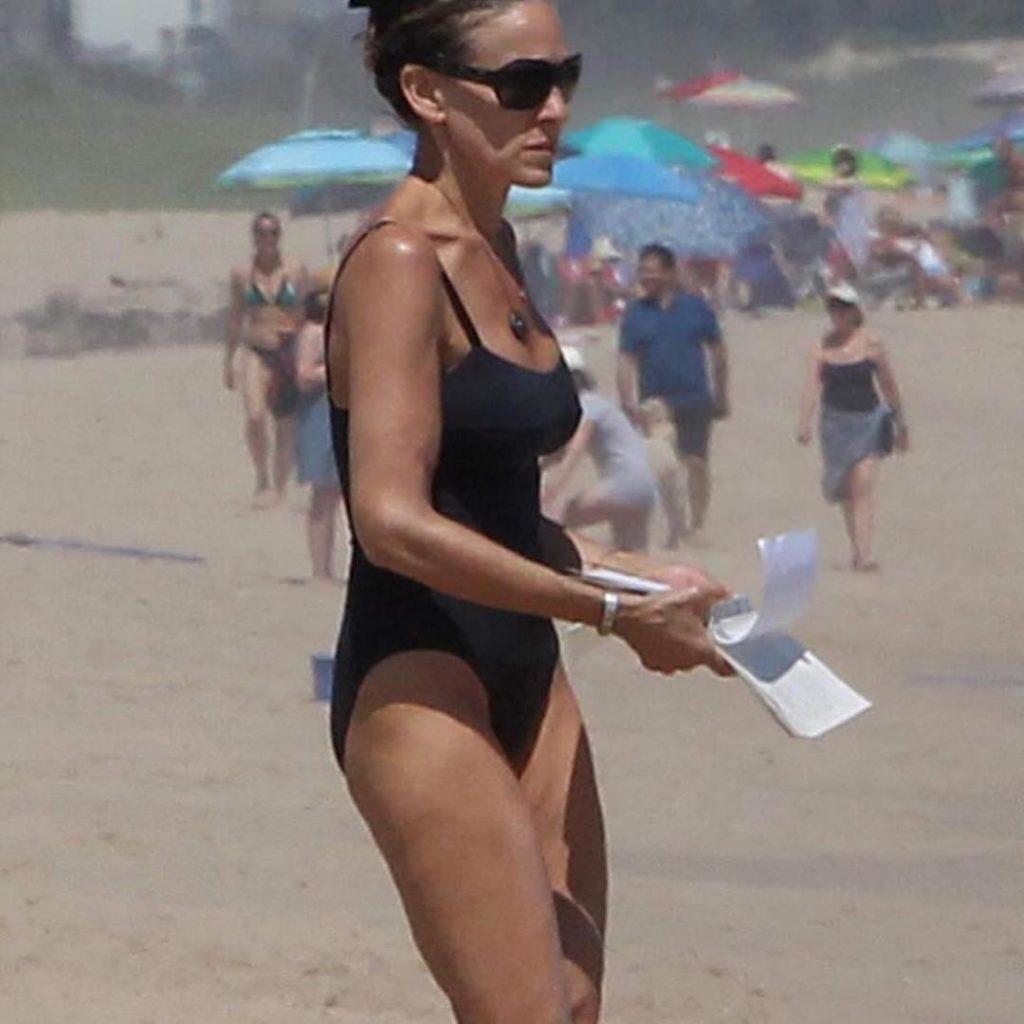 53-летняя Сара Джессика Паркер показала девичью фигуру на пляже