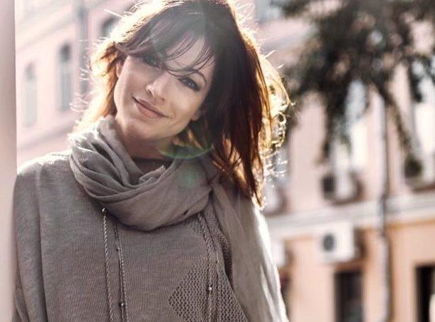 47-летняя Алена Хмельницкая перестала скрывать молодого возлюбленного