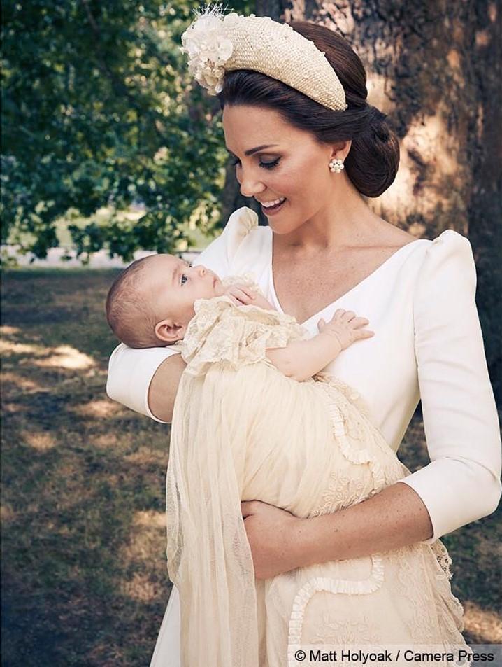 Стали доступны официальные фото подросшего принца Луи с крестин