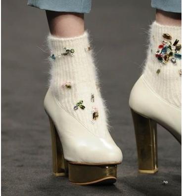 15 пар необычных носков, которые спасут образ