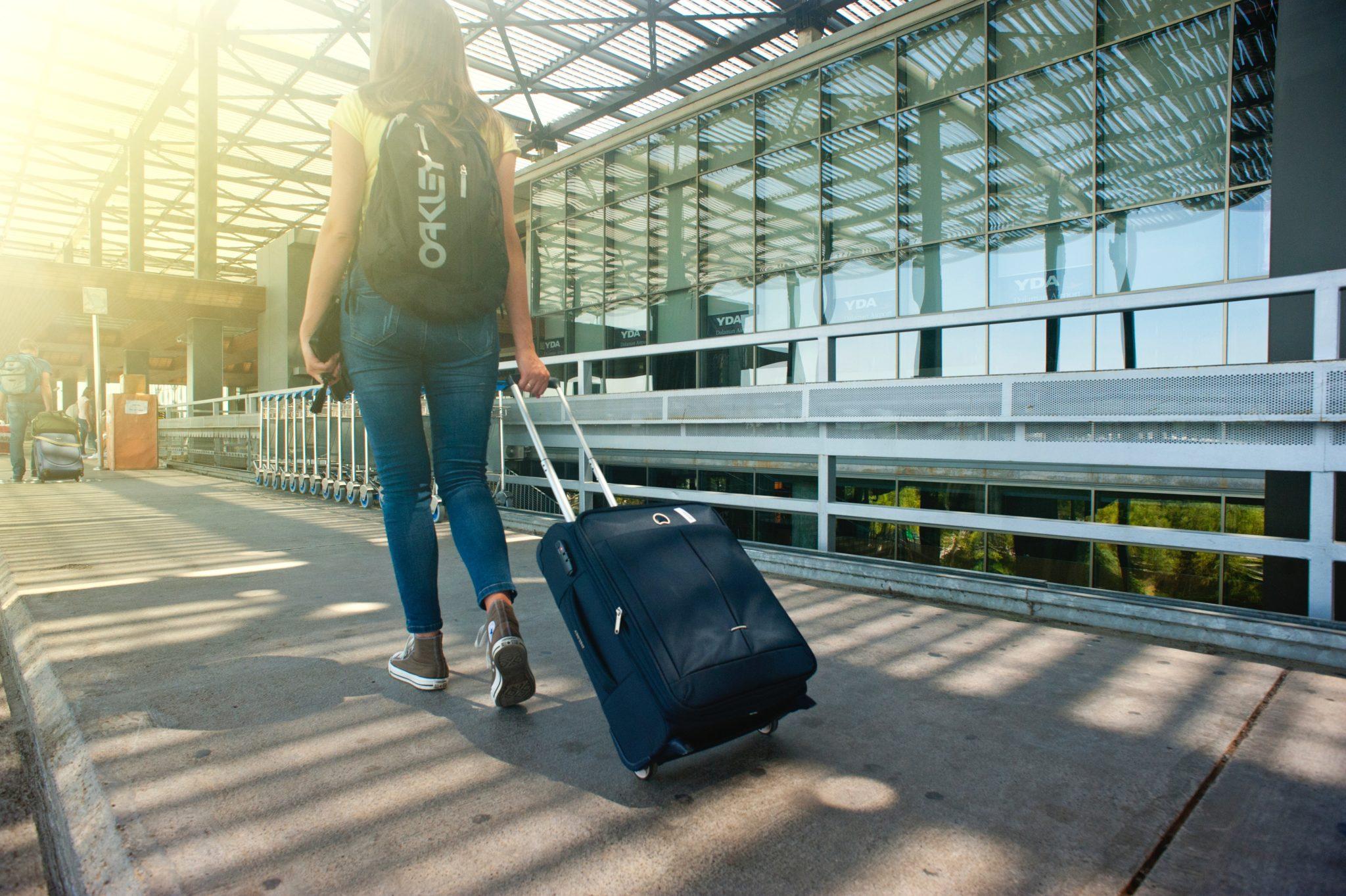 5 вопросов, как вылететь за границу, имея долги и штрафы