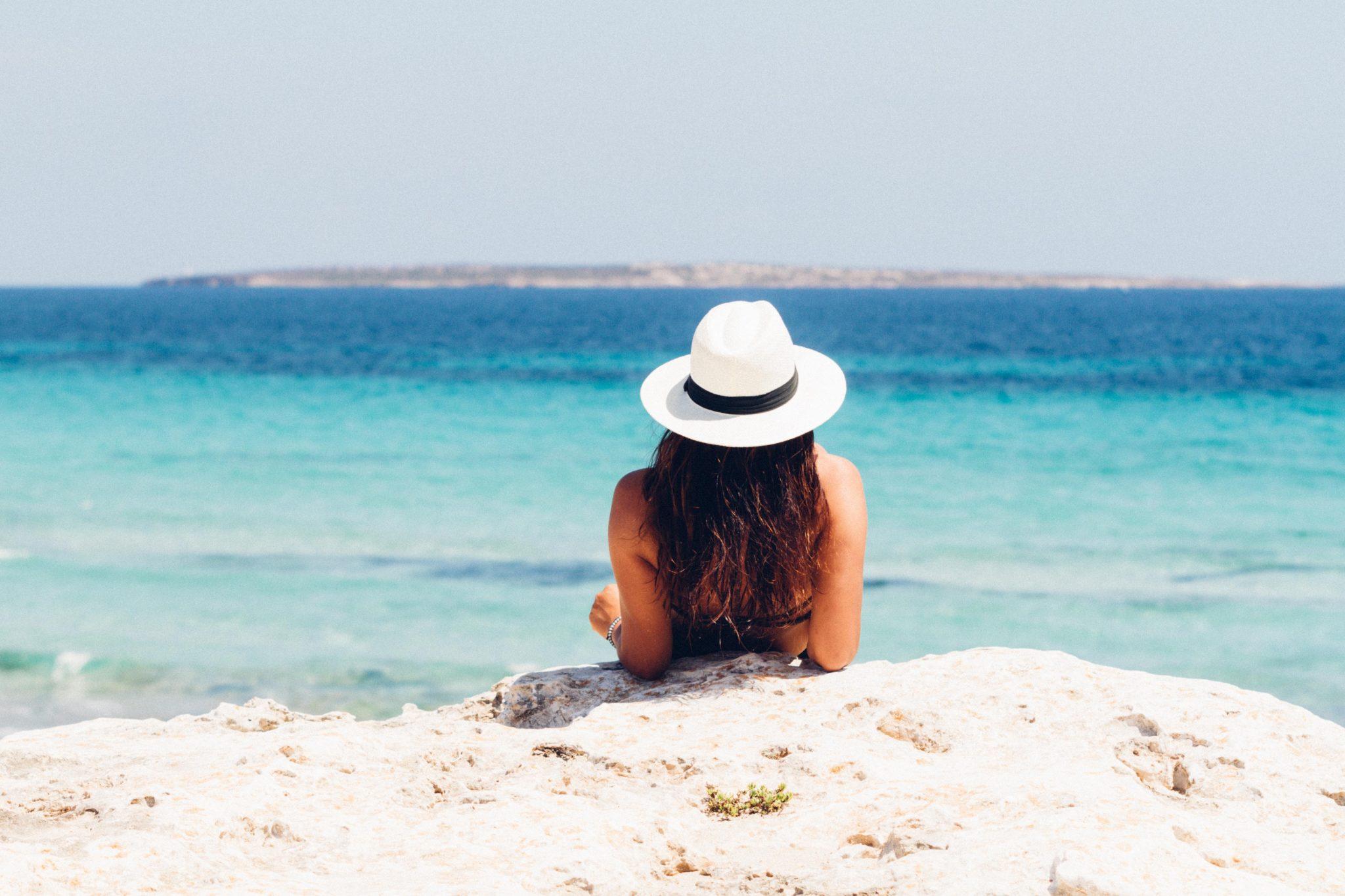 Псаммотерапия: чем полезны песочные ванны?