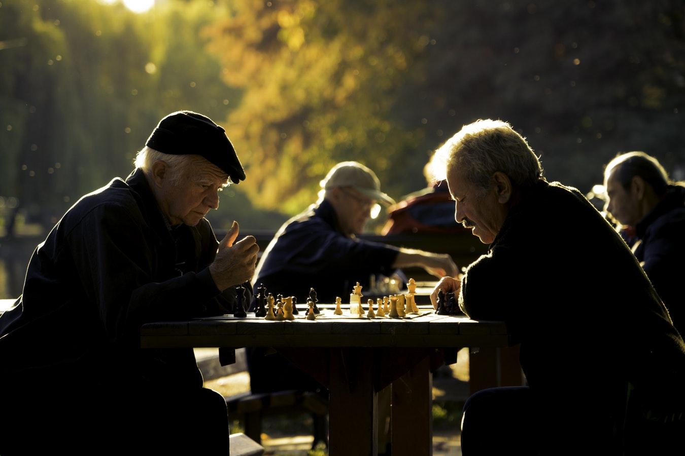 Как улучшить память взрослому человеку: упражнения, продукты, препараты инародные средства