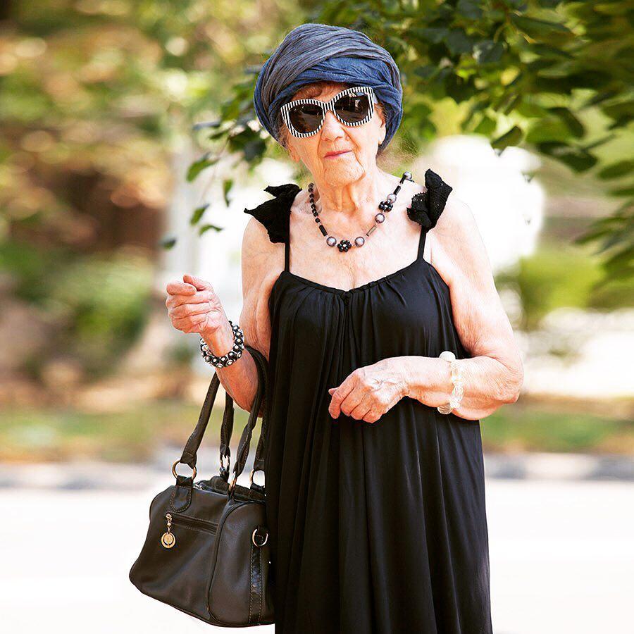 5 модных бабушек 50+, у которых надо поучиться стилю